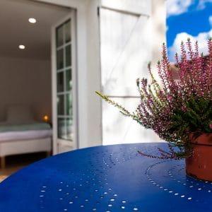 table jardin maison hôtes